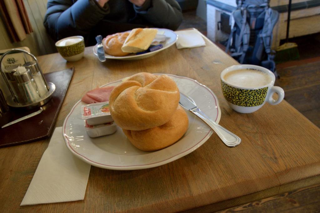 ホステルの朝食