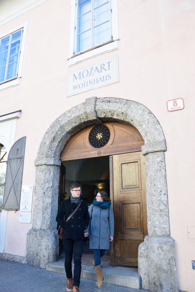 モーツァルトの生家入口
