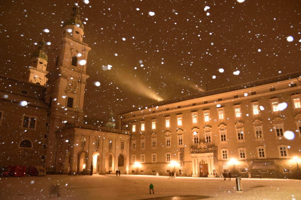 雪とザルツブルク大聖堂