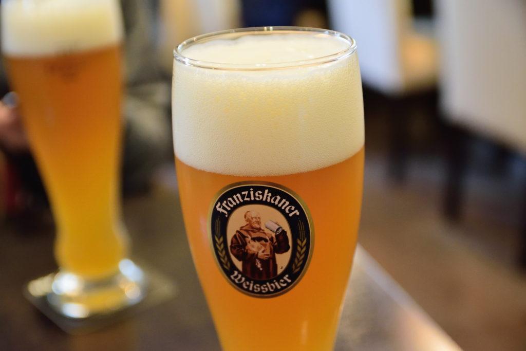 ラーメン店でのドイツビール