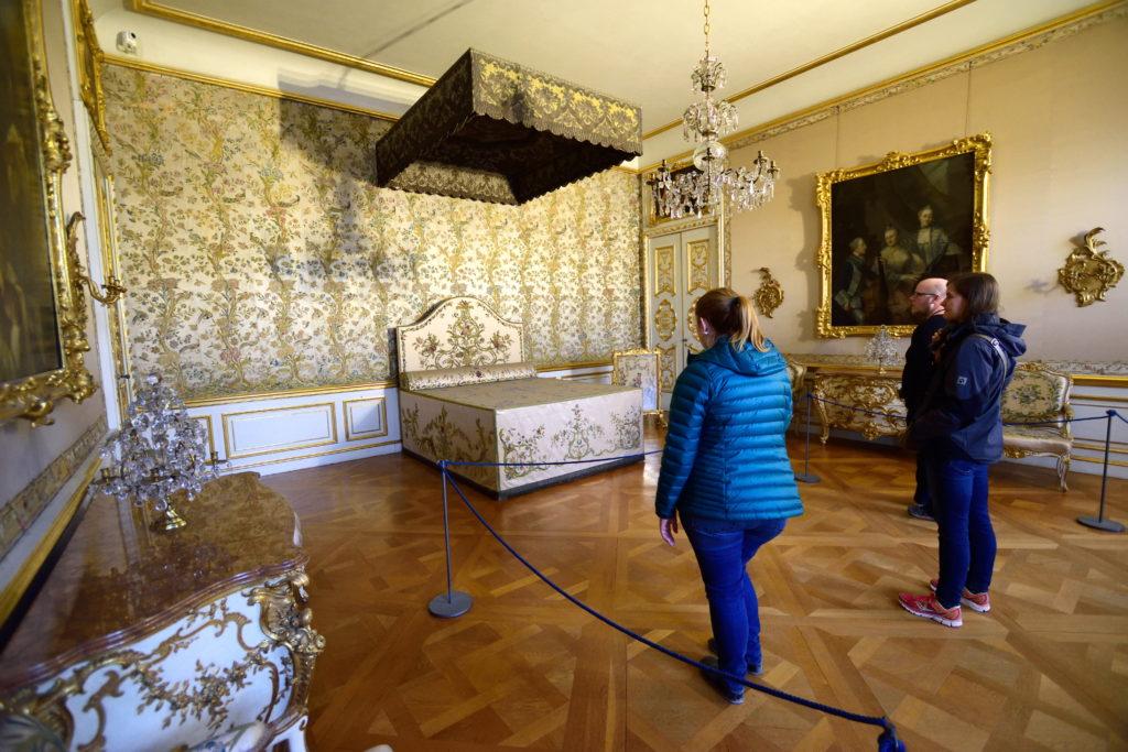 王家の寝室