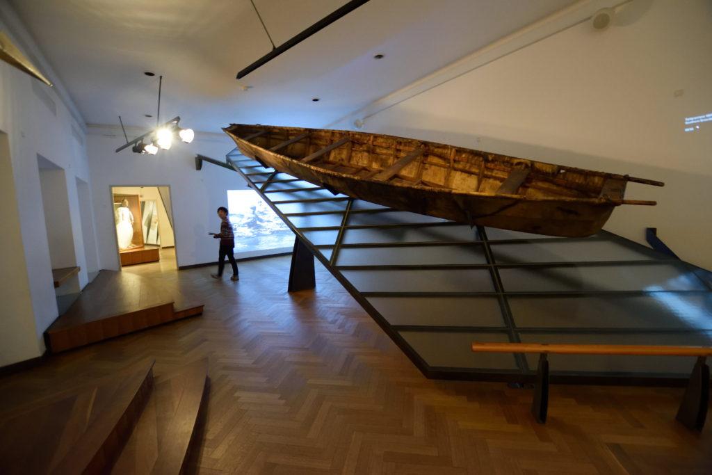 狩猟などにつかわれる伝統的な舟