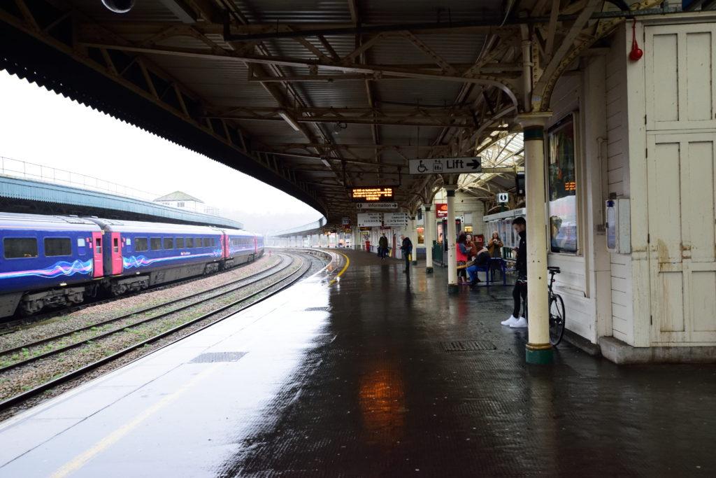 イギリス・ブリストル駅のホーム