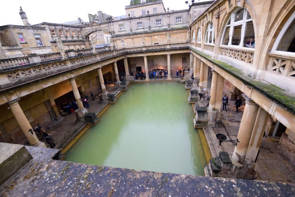 ローマ浴場を2階テラスから