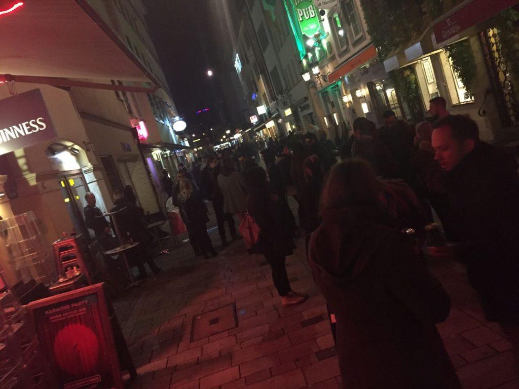 デュッセルドルフの、夜の飲み屋街