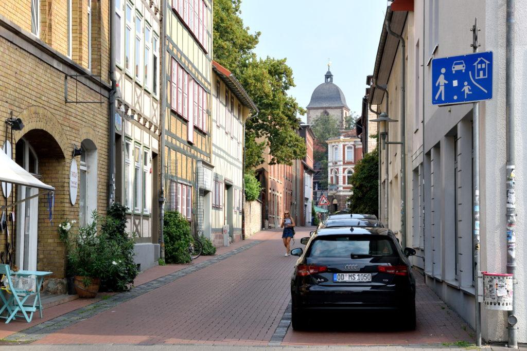ドイツ車の止まる街並み