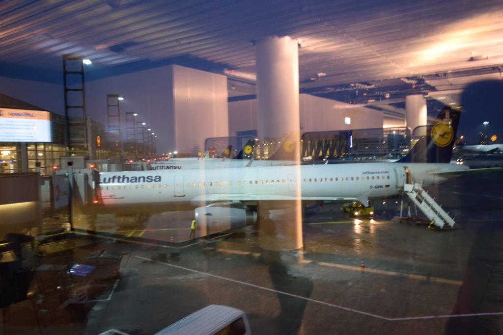 早朝のフランクフルト国際空港