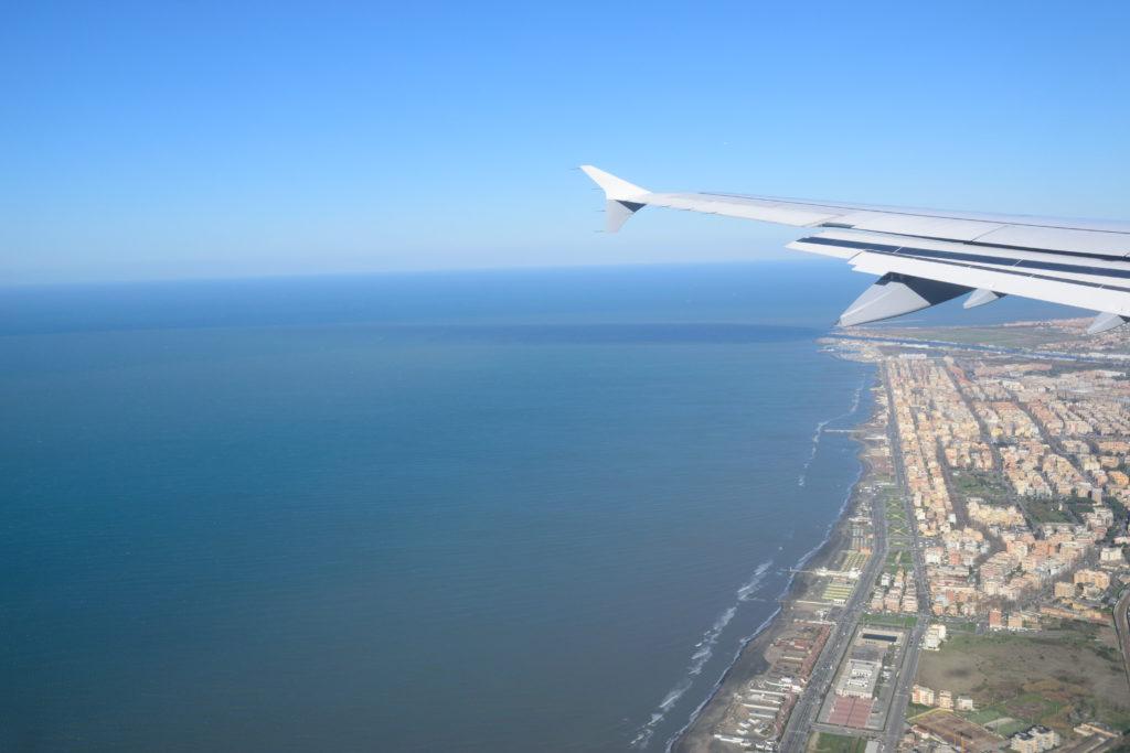 フィウミチーノ空港へのアプローチ