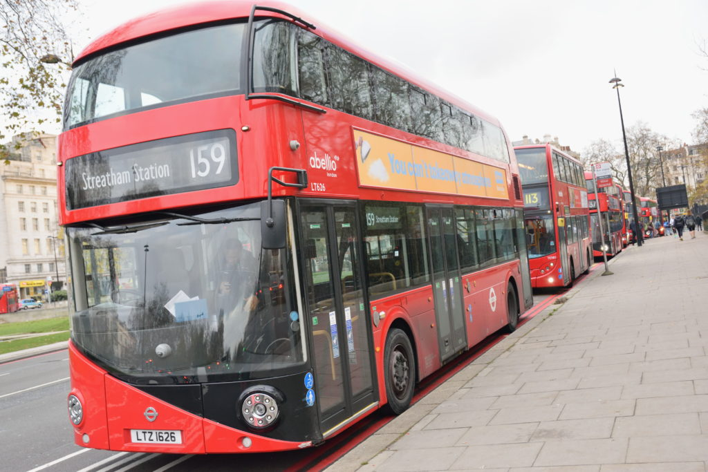 ロンドンの2階建てバス