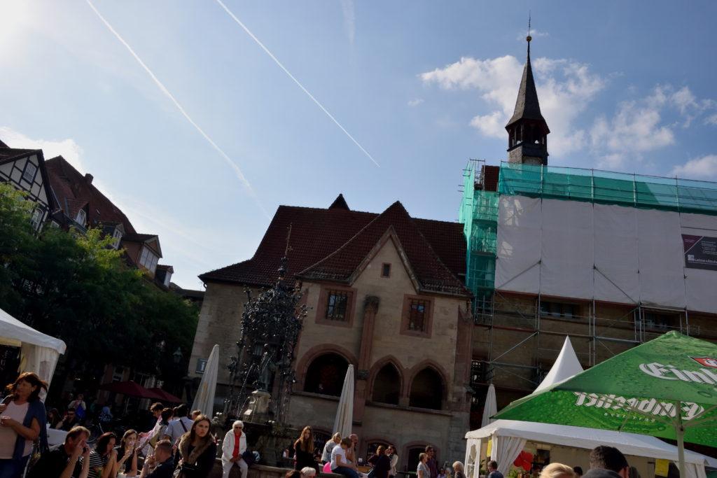 市庁舎広場のお祭り