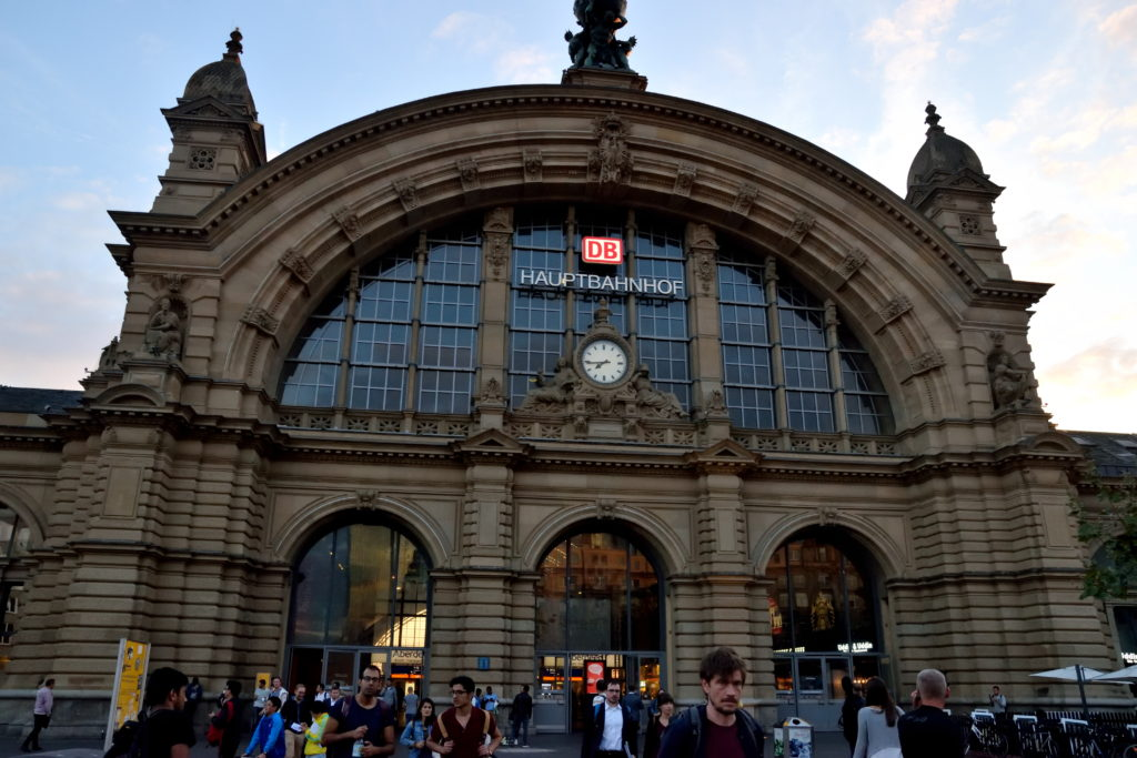 フランクフルト中央駅外観