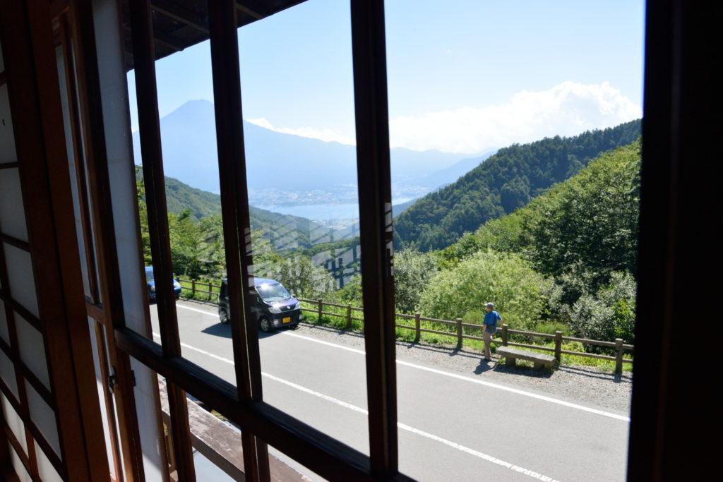 天下茶屋2階の窓からの景色