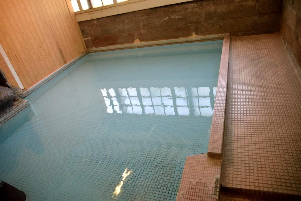 霊湯の浴槽