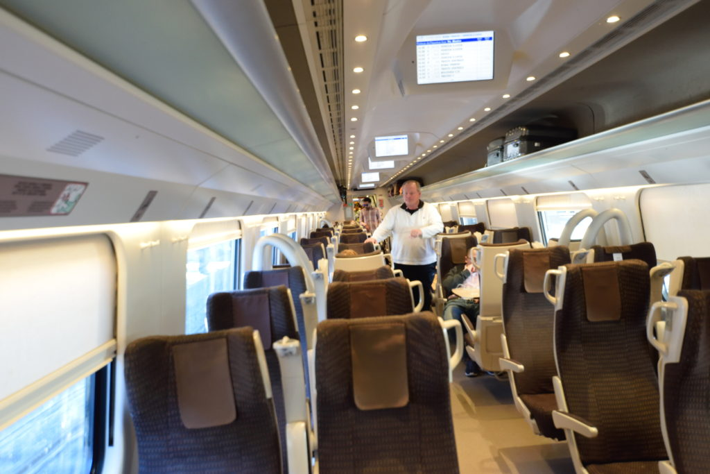 イタリアの高速鉄道の車内