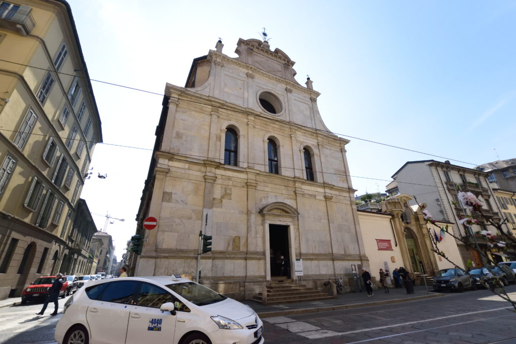 ミラノ、サンマウリツィオ教会の外観