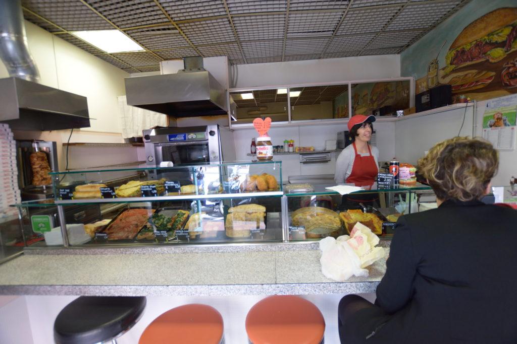 軽食店の内装