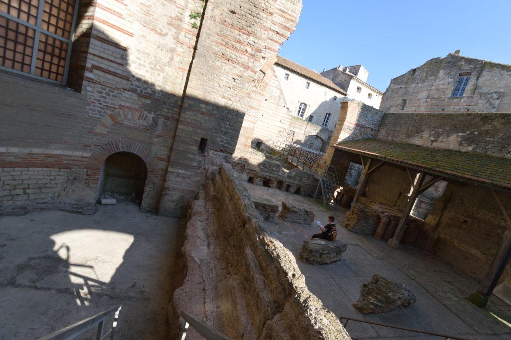 ローマ浴場跡地