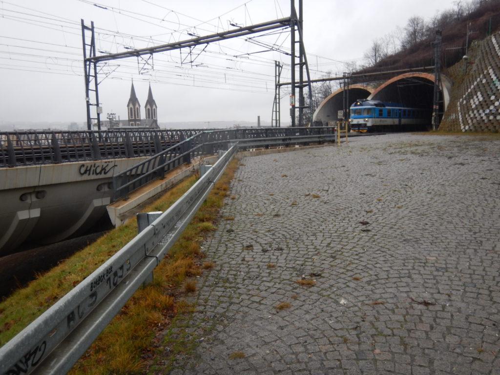 プラハの鉄道トンネル