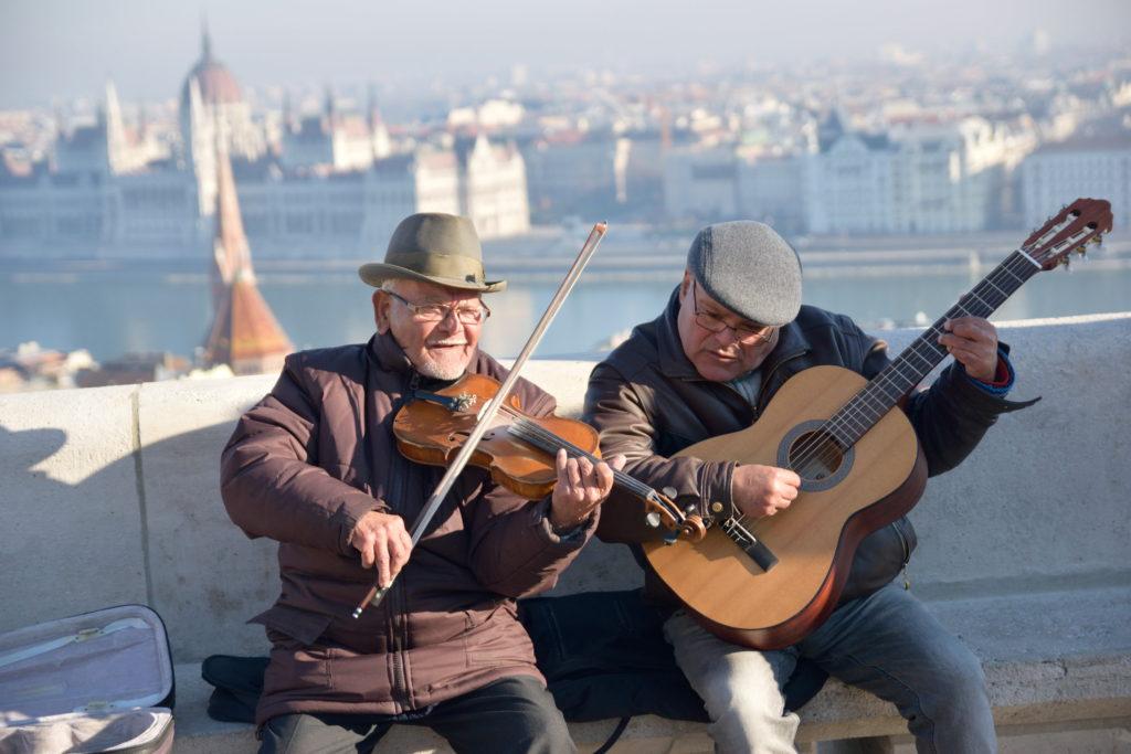 二人組のストリート・ミュージシャン