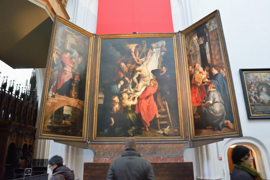 教会内の絵画