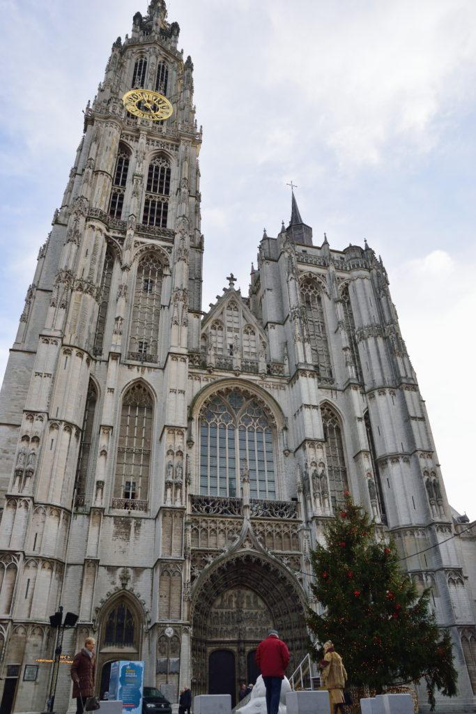 アントワープの教会の外観