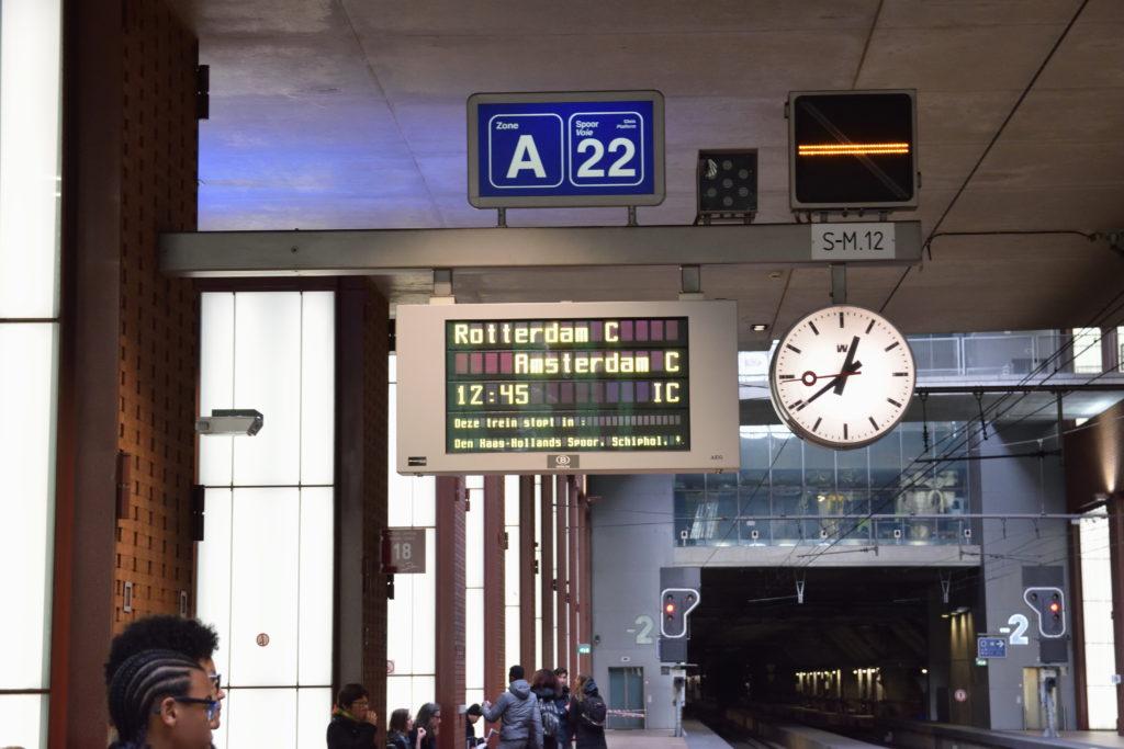 アムステルダム行きの列車