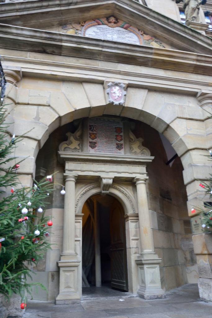 市庁舎の塔の入口