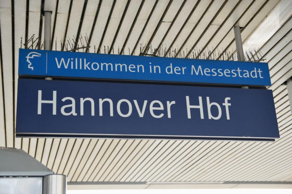 ハノーファー中央駅の看板