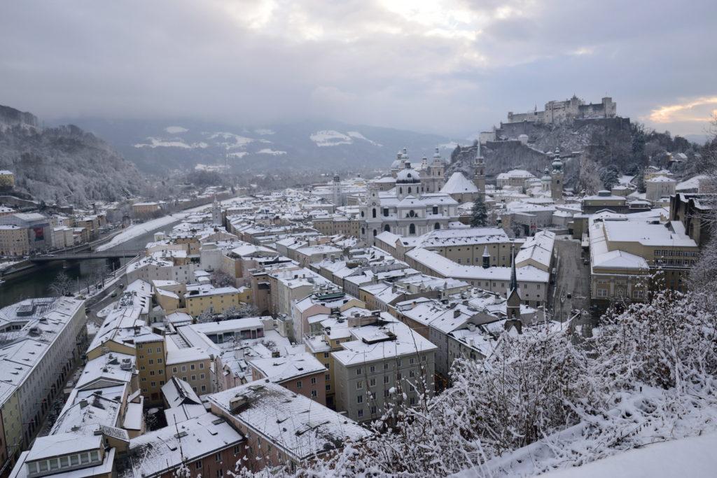 雪のザルツブルク