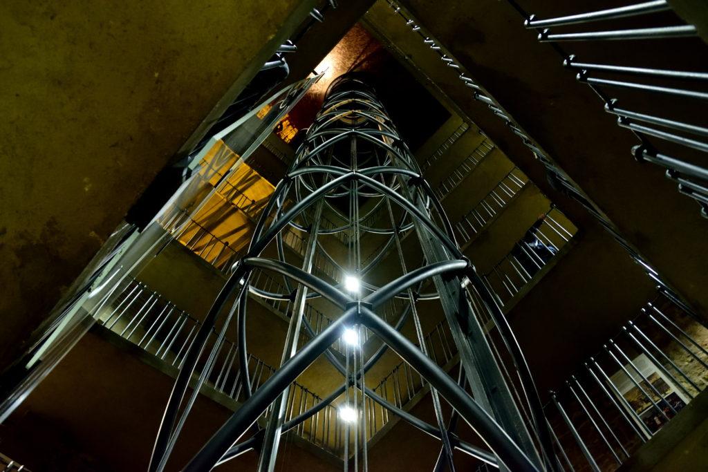 旧市庁舎にあるエレベーター