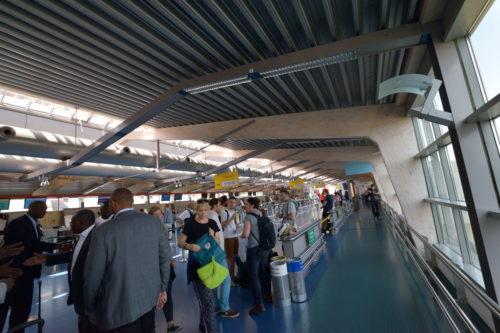 テーゲルDターミナルの内装