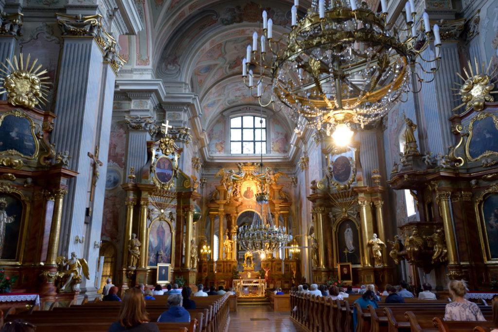 ワルシャワ、聖アンナ教会の内装