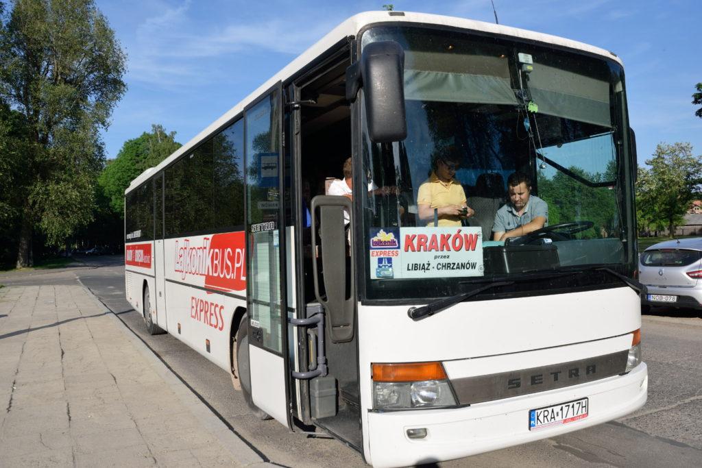 クラクフ アウシュビッツ間を走るバス