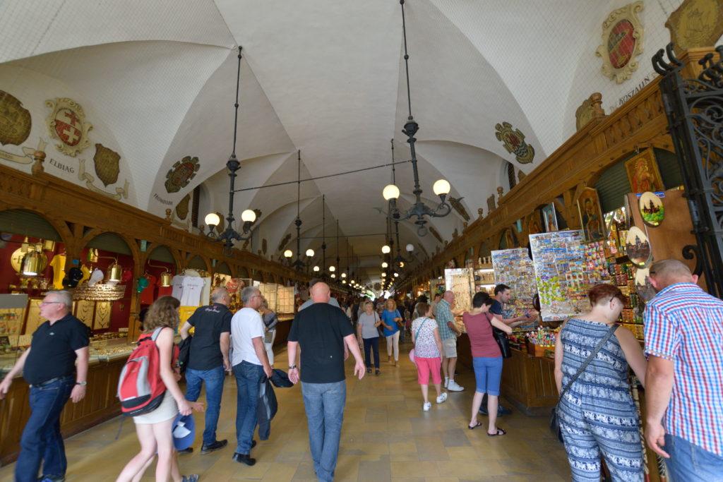 中央広場にあるマーケット