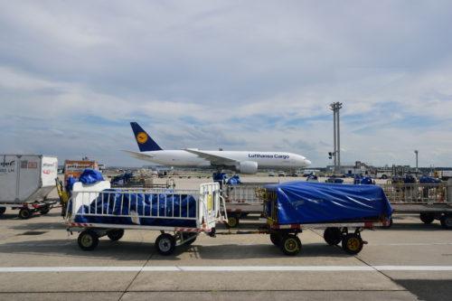 Lufthansa Cargoの機体を横から