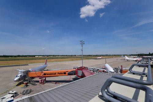 テーゲル空港展望デッキからの眺め