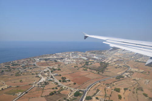 機内から見たマルタ島