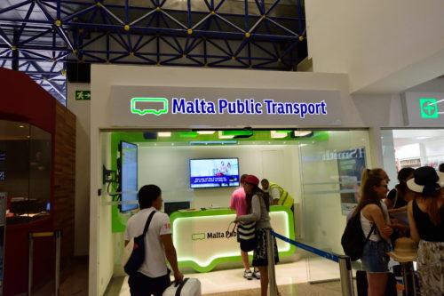 マルタ空港のバスチケット購入窓口