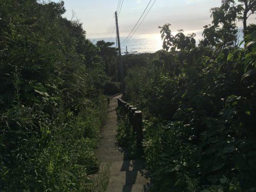 州崎灯台へと上る階段
