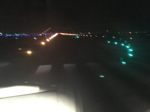 深夜の羽田D滑走路