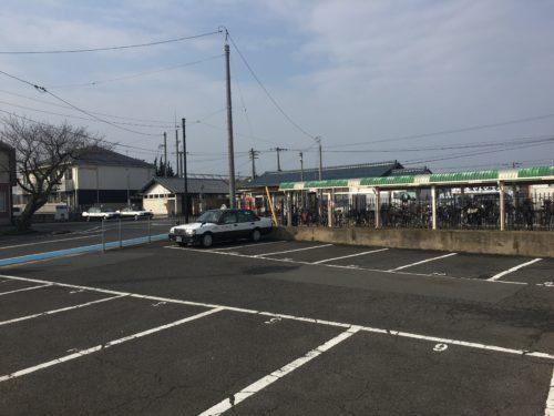 乃木駅前のJAの駐車場