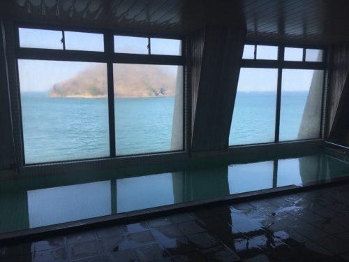 さくら観光ホテルの温泉から眺める陸奥湾