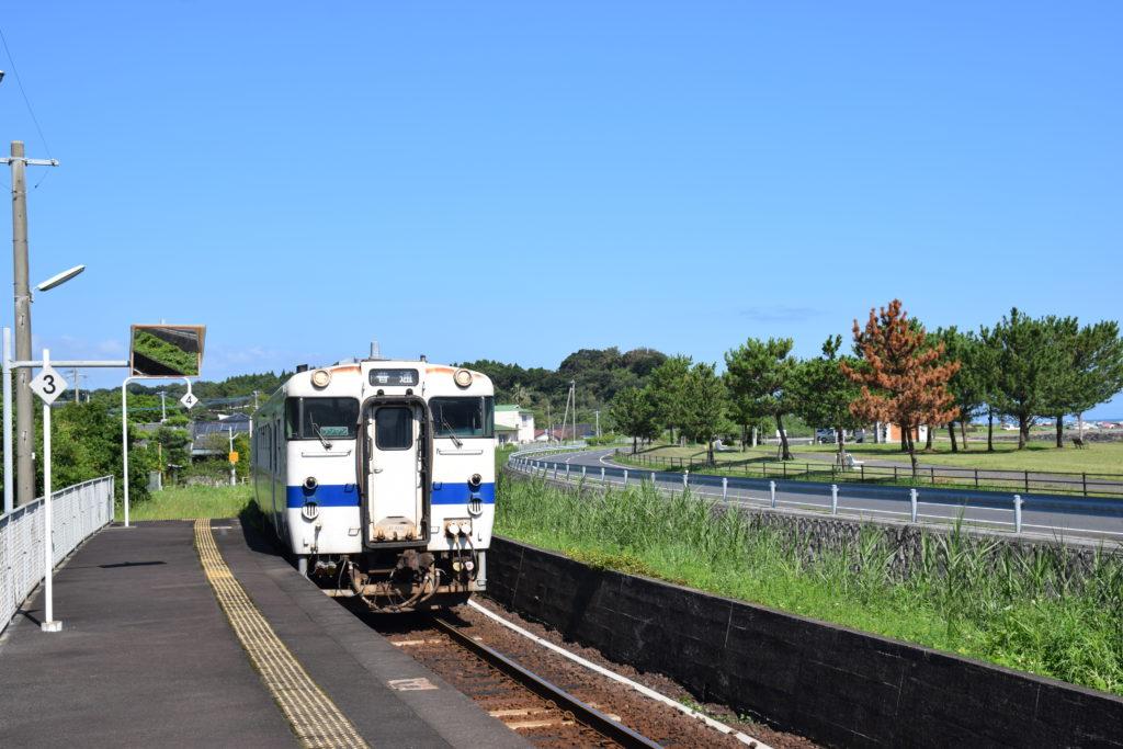 指宿を走る列車