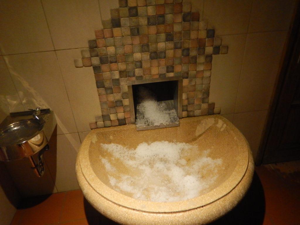 サウナ後用の製氷マシン
