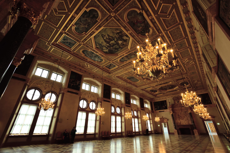 王宮のダンスホール