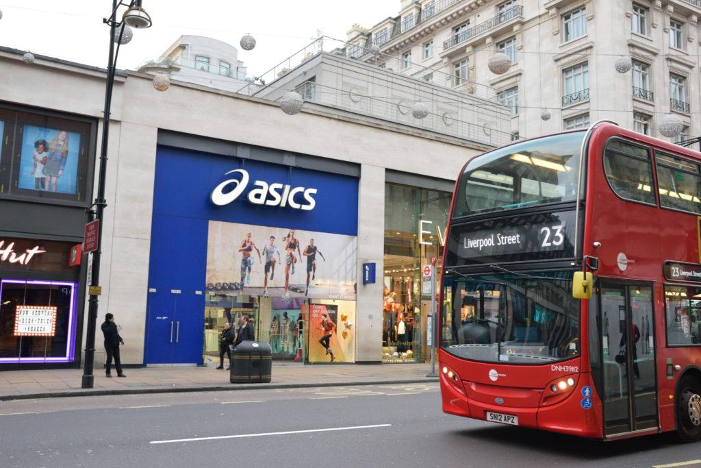 ロンドンにあるアシックスの店舗