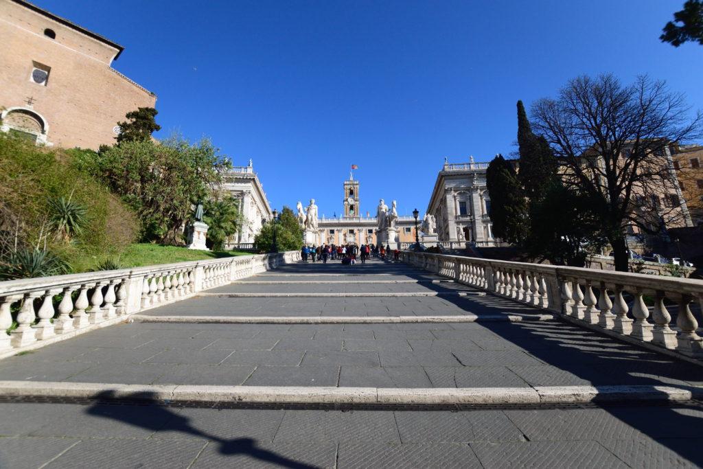 セナトリオ宮への階段