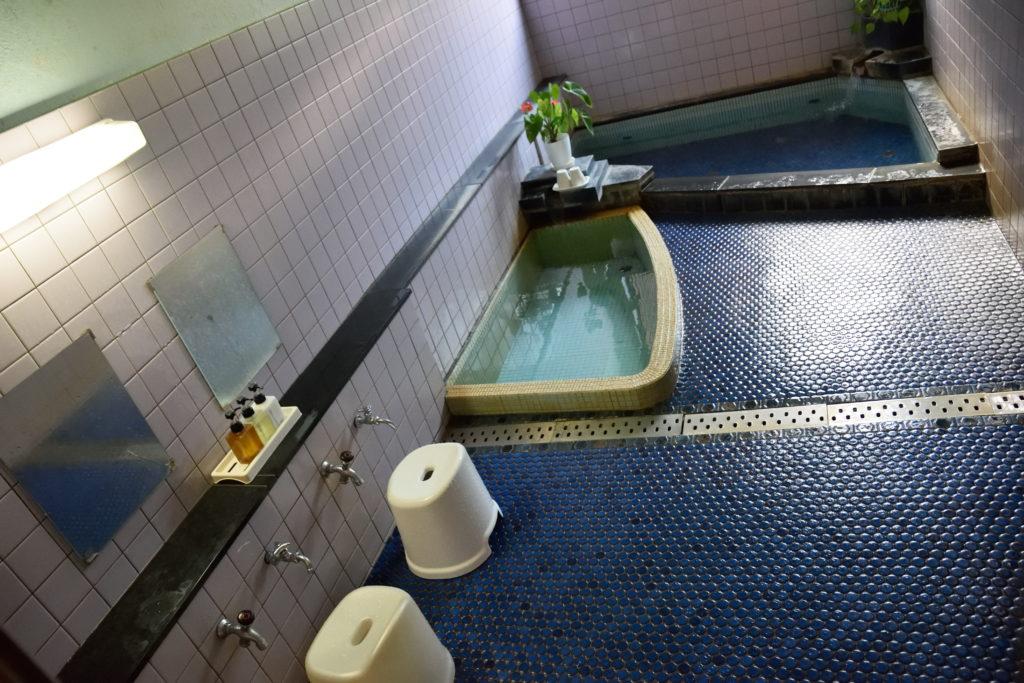 1階の温泉