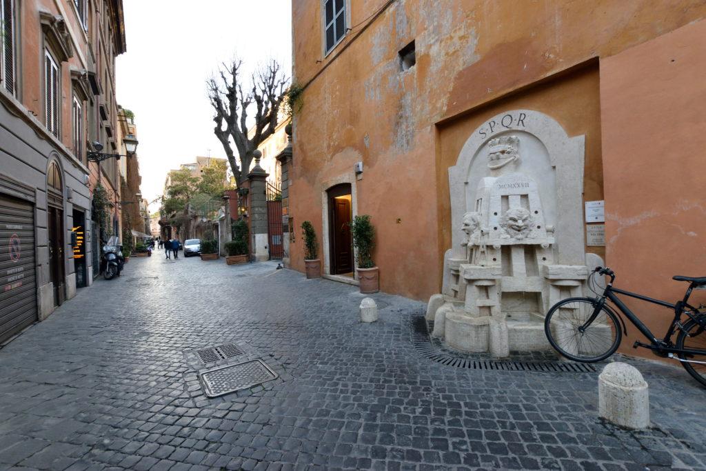 ローマ、マルグッタ通り