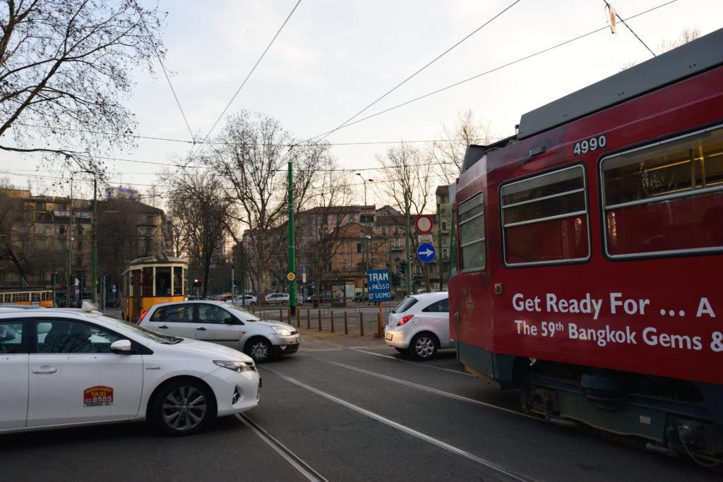 ミラノ市街の渋滞の様子